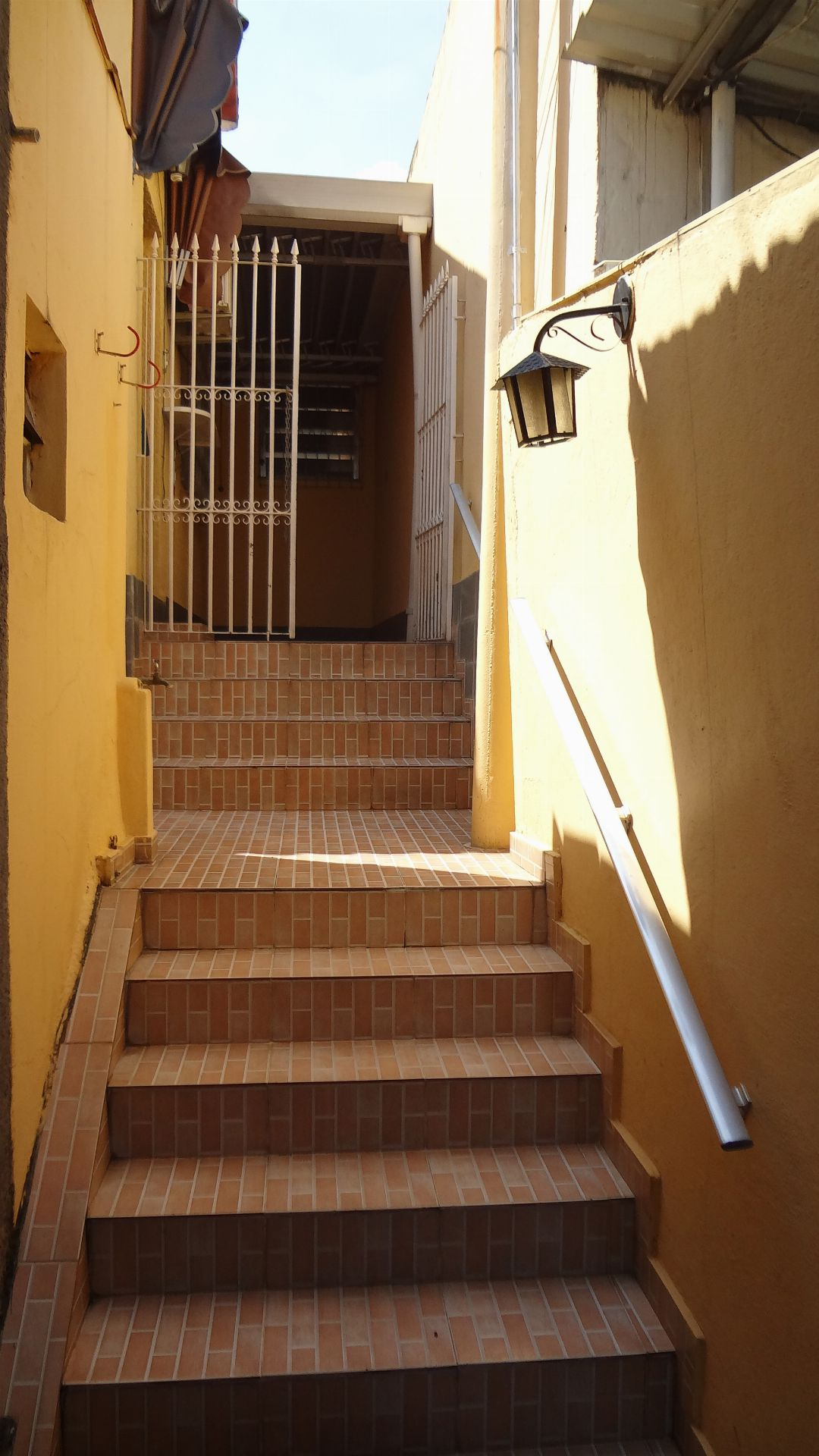 Entrada - Casa Para Venda ou Aluguel - Higienópolis - Rio de Janeiro - RJ - 724 - 2
