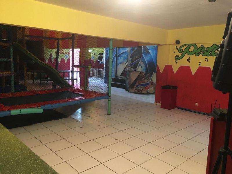 Excelente Prédio Comercial em Santa Cruz -Venda - 5-105 - 4