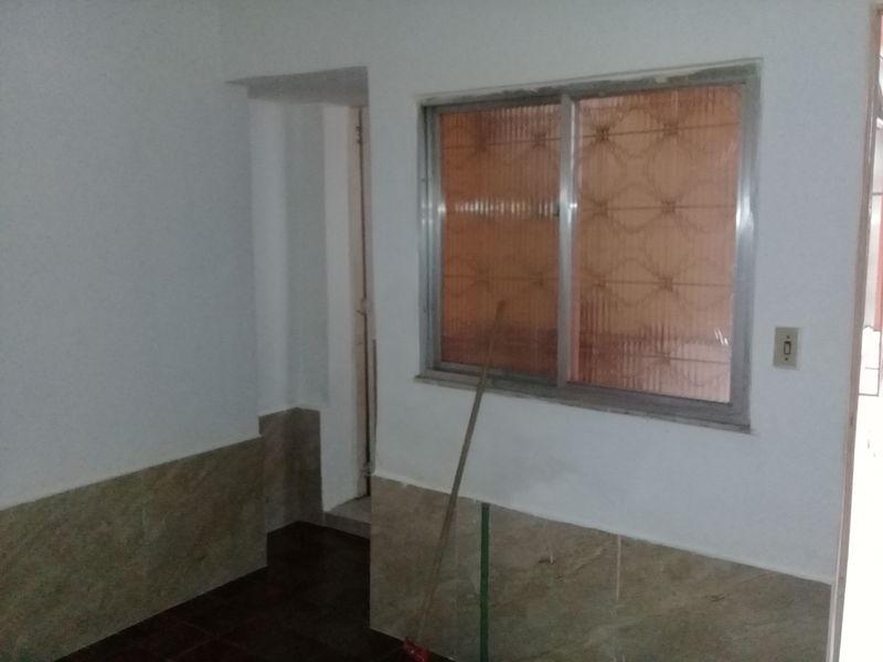 Casa em Parada de Lucas-Locação - 4044A - 6
