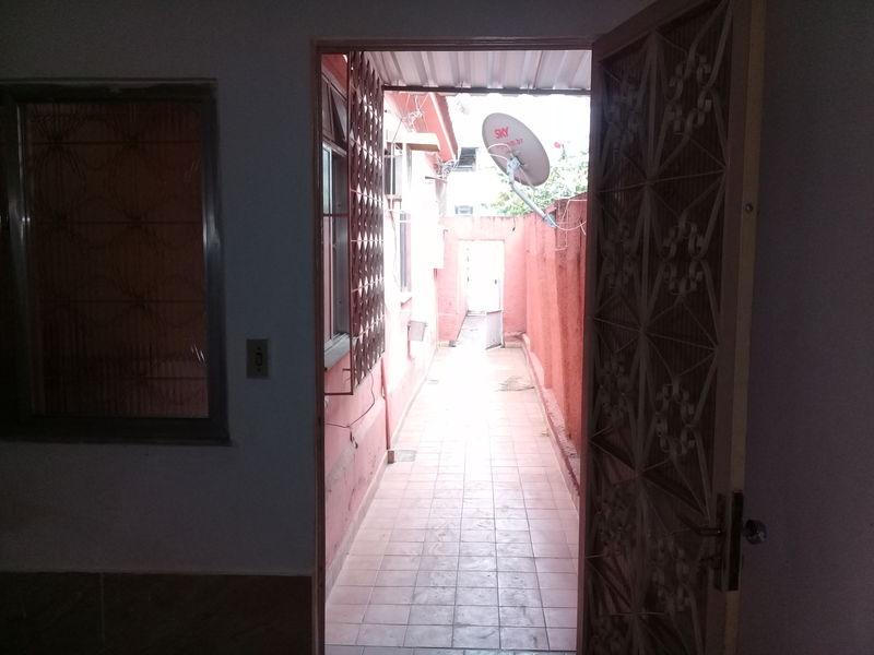 Casa em Parada de Lucas-Locação - 4044A - 4