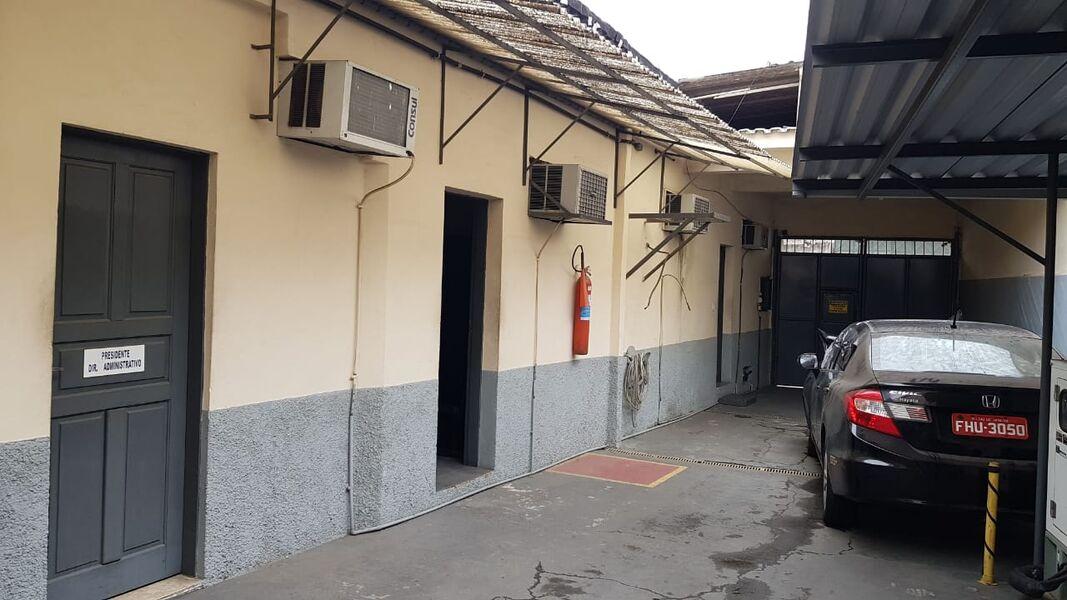 Excelente Galpão em Bonsucesso com Garagem Para 4(Quatro ) Carros-Venda - 7008 - 3