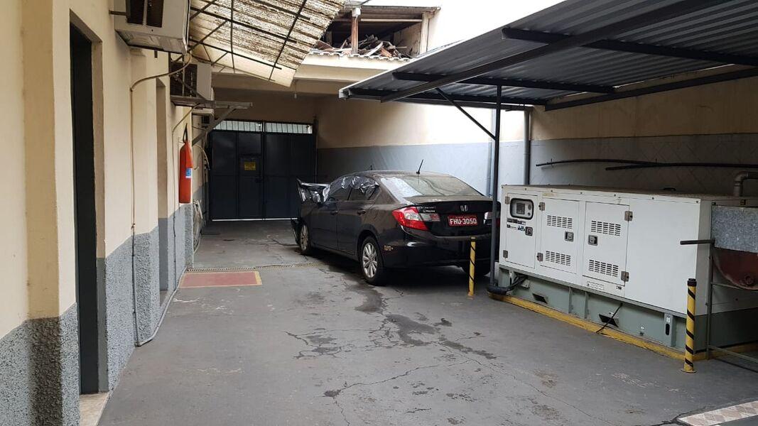 Excelente Galpão em Bonsucesso com Garagem Para 4(Quatro ) Carros-Venda - 7008 - 4