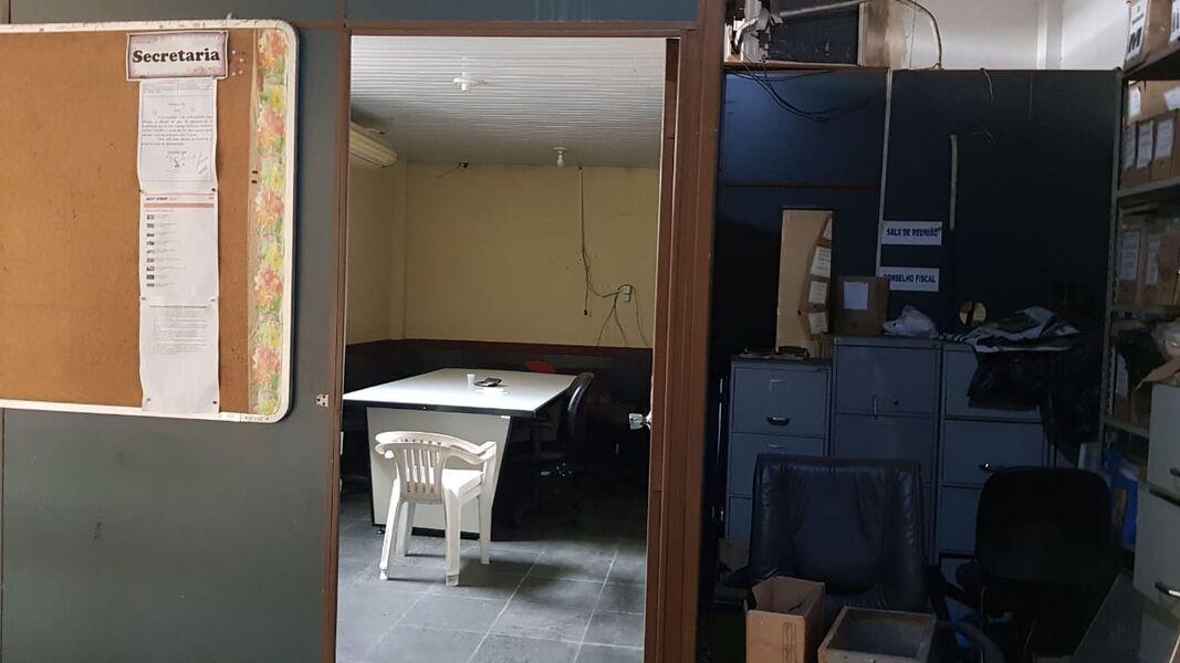 Excelente Galpão em Bonsucesso com Garagem Para 4(Quatro ) Carros-Venda - 7008 - 13