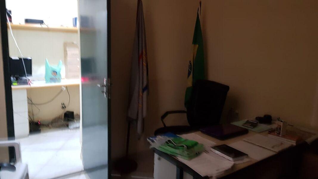 Excelente Galpão em Bonsucesso com Garagem Para 4(Quatro ) Carros-Venda - 7008 - 16