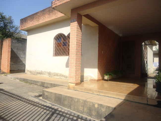 Casa São José,Pedro Leopoldo,MG À Venda,3 Quartos - vcs010 - 1