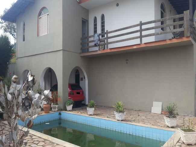 Casa Parque Jardim Soli,Pedro Leopoldo,MG À Venda,5 Quartos - vcs023 - 5