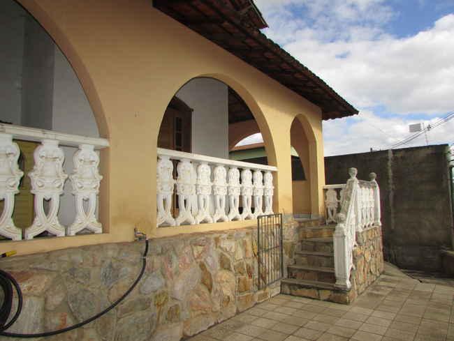 Casa Triângulo,Pedro Leopoldo,MG À Venda,3 Quartos - vcs034 - 2