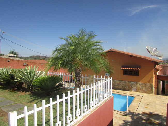 Casa Agenor Teixeira,Pedro Leopoldo,MG À Venda,3 Quartos - VCS039 - 1