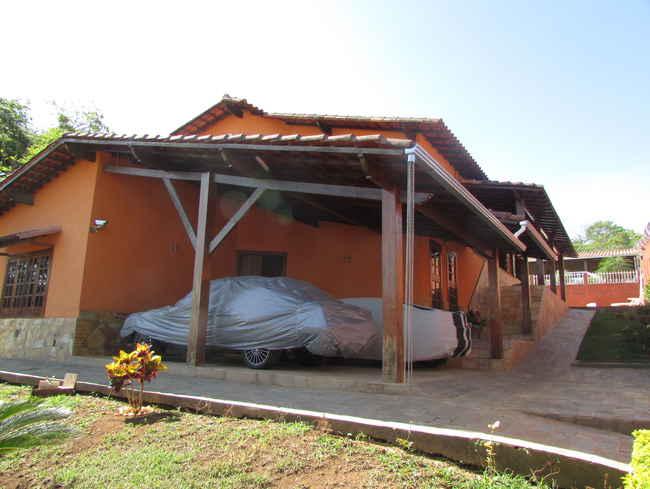 Casa Agenor Teixeira,Pedro Leopoldo,MG À Venda,3 Quartos - VCS039 - 41