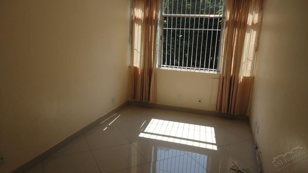 Apartamento de 02 quartos, 01 suíte, vaga e dep. compl. em Laranjeiras. - LAR  1001 - 1