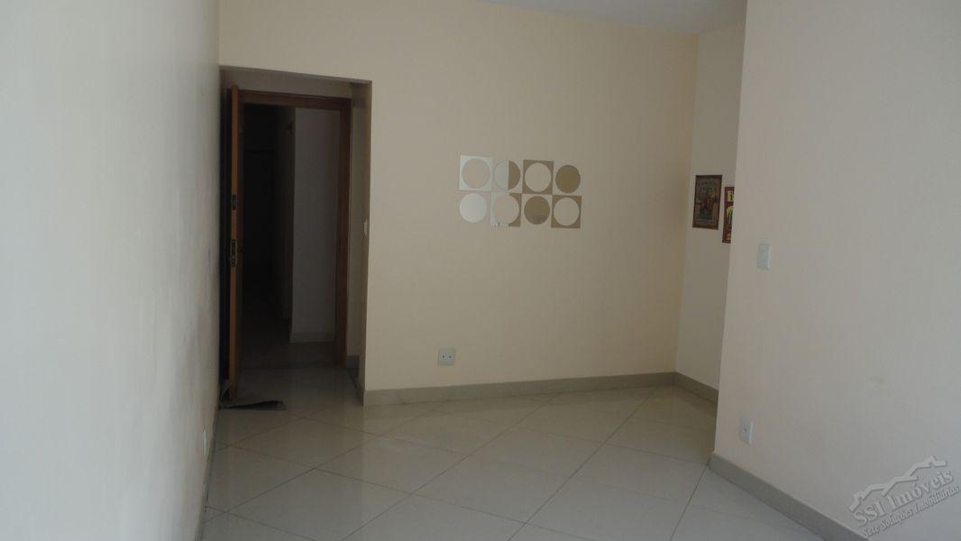 Apartamento de 02 quartos, 01 suíte, vaga e dep. compl. em Laranjeiras. - LAR  1001 - 3