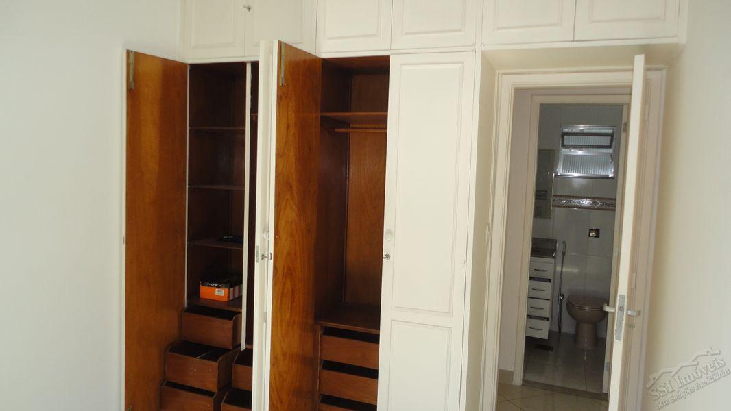 Apartamento de 02 quartos, 01 suíte, vaga e dep. compl. em Laranjeiras. - LAR  1001 - 8