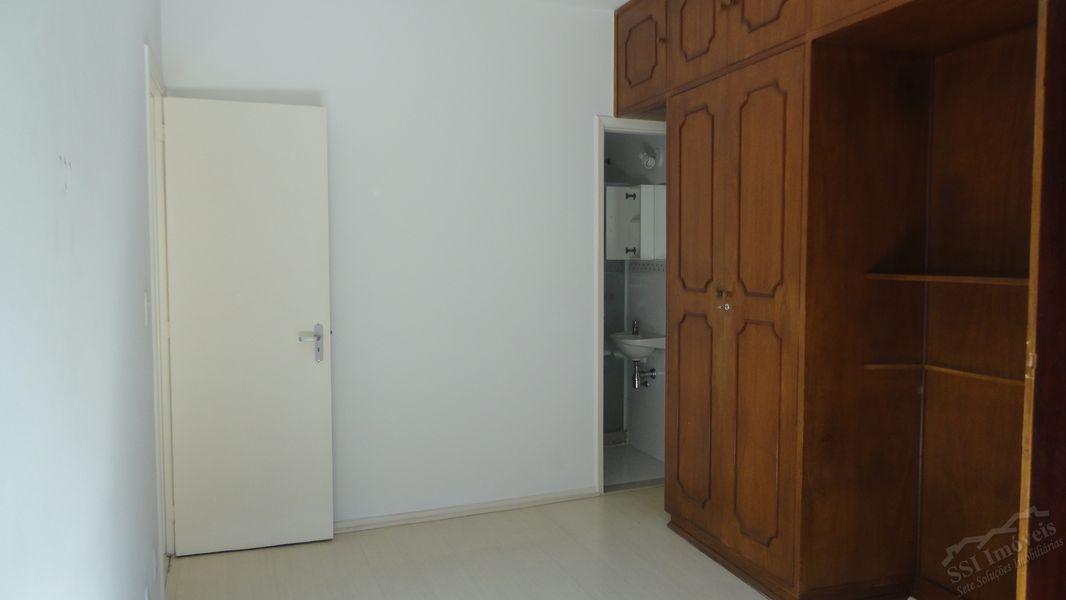 Apartamento de 02 quartos, 01 suíte, vaga e dep. compl. em Laranjeiras. - LAR  1001 - 12