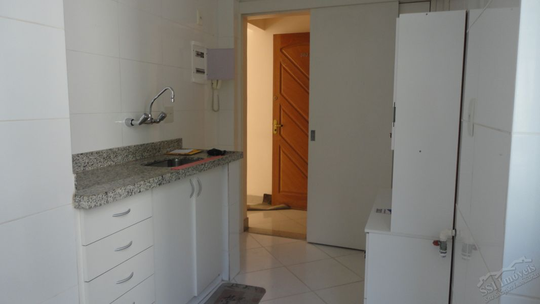 Apartamento de 02 quartos, 01 suíte, vaga e dep. compl. em Laranjeiras. - LAR  1001 - 17