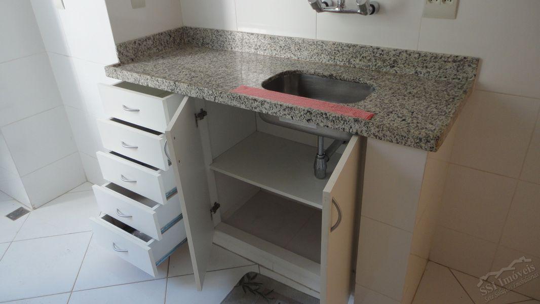 Apartamento de 02 quartos, 01 suíte, vaga e dep. compl. em Laranjeiras. - LAR  1001 - 18