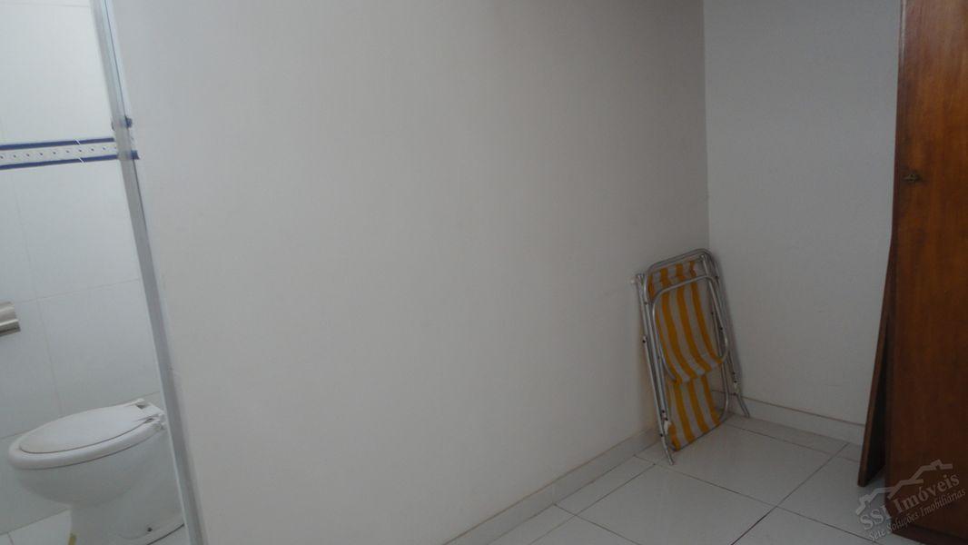 Apartamento de 02 quartos, 01 suíte, vaga e dep. compl. em Laranjeiras. - LAR  1001 - 21